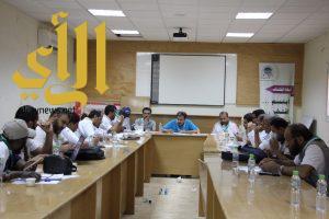 اجتماعات متواصلة للكشافة بمعسكرات الخدمة العامة