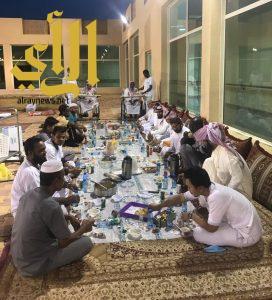 إفطار جماعي لمنسوبي دار الرعاية الاجتماعية بوادي الدواسر