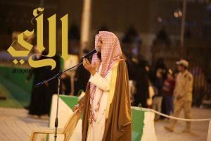 دعاة يشيدون ببطولات الجنود البواسل على مسرح قرية عسير بالجنادرية