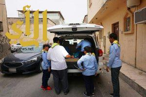 أشبال مدرسة البحتري بالأحساء يوزعون 150 سلة غذائية