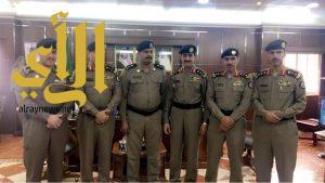 شرطة الجوف تقوم بترقية عدد من الضباط إلى رتبة مقدم