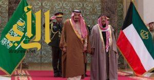 الملك سلمان يدعو أمير الكويت لحضور سباق الهجن