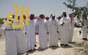 أمين عسير يطلع على مشاريع البلدية في محافظة بلقرن ومركز بنى عمرو