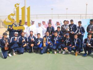 جامعة الملك سعود تتوج ببطولتي التنس وقوى الاحتياجات الخاصة