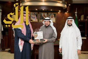 مدير جامعة الأمير سطام بن عبدالعزيز يتسلم التقرير السنوي لوكالة الجامعة
