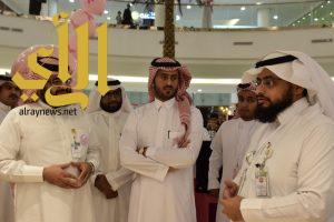 الغزواني يفتتح المعرض التوعوي عن سرطان الثدي بعسير