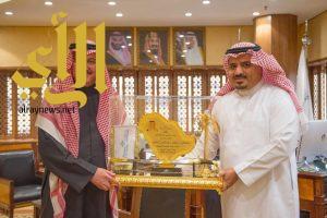 عبدالعزيز بن سطام يهنئ بذكرى البيعة