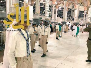 """كشافة تعليم مكة تطلق برنامج """"بادر"""" لخدمة الزوار والمعتمرين بالمسجد الحرام"""