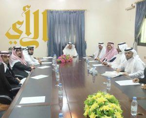 ابن دلبوح يترأس اجتماع لجنة التنمية السياحية بأحد رفيدة