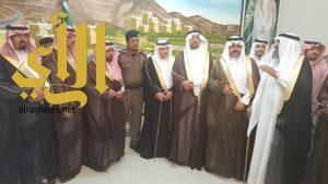 محافظ ظهران الجنوب ومدراء الدوائر الحكومية والمشايخ يبايعون محمد بن سلمان وليا للعهد