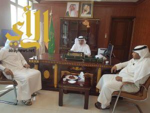 محافظ المجاردة يستقبل أمين و أعضاء اللجنة الثقافية لتهنئته بعيد الأضحى المبارك