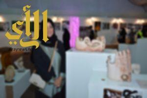 فنانة سعودية تستثمر النحت والمجسمات في إيصال سماحة الإسلام