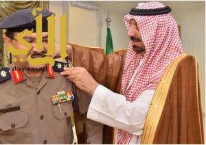 أمير نجران يقلد مدير الدفاع المدني في منطقة نجران رتبة لواء