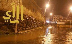 هطول الأمطار تبين سوء التصريف في شوارع ظهران الجنوب