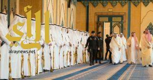 خادم الحرمين الشريفين يستقبل المهنئين بعيد الفطر المبارك