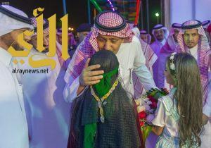 أمير منطقة الباحة يكرّم أسر وذوي شهداء الواجب