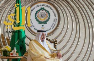 الملك سلمان يستقبل قادة ورؤساء وفود الدول العربية المشاركة في «قمة الظهران»
