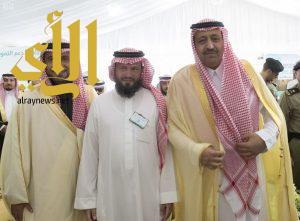 أمير منطقة الباحة يسلم عدداً من المستفيدين الوحدات السكنية بمشروع إسكان ناوان