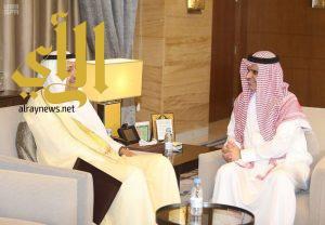 أمير الباحة يبحث مع وزير التعليم احتياجات المنطقة من المشروعات التعليمية