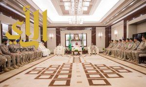 ولي العهد يستقبل كبار القادة والمسؤولين في وزارة الدفاع بمناسبة عيد الفطر المبارك