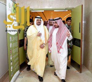 أمير منطقة الرياض بالنيابة يزور المصابين من رجال الأمن