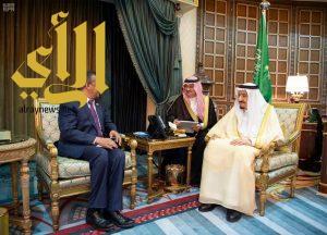 الملك سلمان يستقبل مدير عام منظمة الصحة العالمية