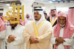 نائب أمير الرياض ينقل تعازي القيادة لأسر الشهيد العتيبي