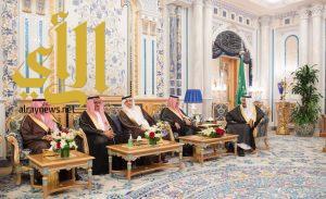 الملك سلمان يتسلم التقرير السنوي الـ53 لمؤسسة النقد العربي السعودي