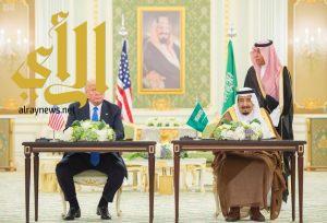 خادم الحرمين وترمب يوقعان على إعلان الرؤية الاستراتيجية المشتركة بين المملكة والولايات المتحدة الأميركية
