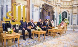 الملك سلمان يستقبل رئيس اللجنة الفرعية لشراكات حلف شمال الأطلسي ورؤساء الوفود البرلمانية