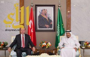 خادم الحرمين الشريفين والرئيس التركي يعقدان جلسة مباحثات