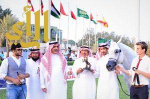 أمير مكة المكرمة يتوج الفائزين في بطولة المنطقة لجمال الجواد العربي