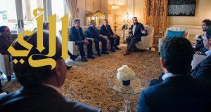 """ولي العهد يلتقي الرئيس التنفيذي لشركة """"وارنر بروذارز"""" للترفيه"""