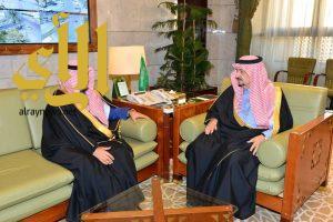 أمير منطقة الرياض يستقبل وكيل وزارة الداخلية