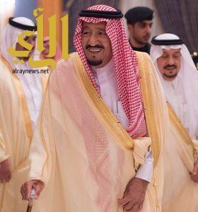 خادم الحرمين الشريفين يصل الرياض قادماً من روسيا الاتحادية