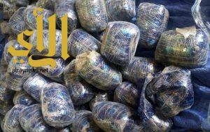 """إحباط تهريب أكثر من 383 ألف حبة من """"الكبتاجون"""" و""""الترامادول"""" بتبوك"""