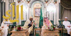 خادم الحرمين الشريفين يستقبل رئيس جمهورية القمر ونائب رئيس الوزراء في ماليزيا