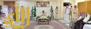 أمير منطقة نجران يعايد منسوبي الإمارة