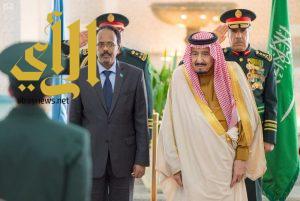 خادم الحرمين يستقبل رئيس جمهورية الصومال