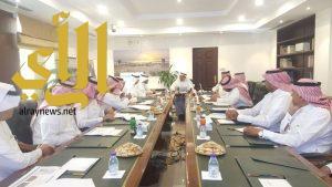أمين الشرقية يترأس اجتماع اللجنة العقارية بغرفة الشرقية