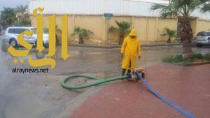 أمين الشرقية يباشر تنفيد خطة طوارئ موسم الأمطار… ونشر عشرات المعدات والآليات