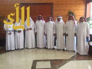 بلدية الخفجي تعقد اجتماعا مع رجال الاعمال لدعم المشاريع الاستثمارية وتطوير المنطقة الصناعية