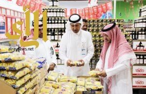 بلدية النعيرية تكثف جولاتها على المستودعات الأغذية والأسواق المركزية