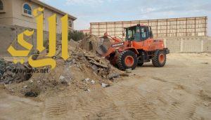 بلدية الظهران ترفع أكثر من 10 آلاف م3 من الأنقاض العشوائية