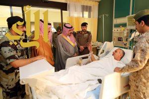 محافظ وادي الدواسر يُعايد المرضى بمستشفيات المحافظة