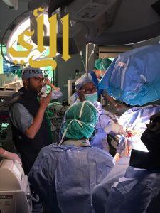 عقد ورشة عمل لعلاج حصوات الكلى بالمنظار عن طريق الجلد بمستشفي عسير