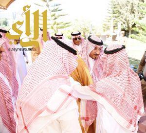 نائب أمير عسير يقدم واجب العزاء لأسرة آل قدح في وفاة والدتهم