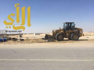 بلدية الخفجي تزيل 20 مبسط و 25 حوش في حملة على الباعة الجائلين المخالفين للأنظمة البلدية