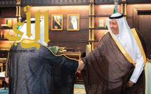 أمير الباحة يستقبل مدير عام الشؤون الصحية
