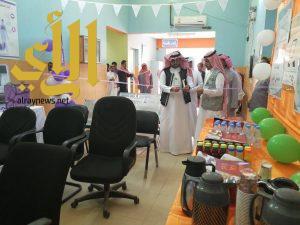 """""""عبادي"""" يفتتح معرض السرطان وحقوق المرضى بمركز الرعاية الأولية بهروب"""